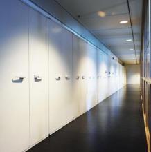 Armoires ignifuges papier dans une couloir.